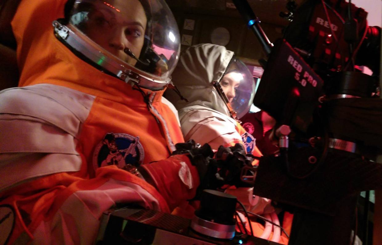 12541080-possum-students-learn-to-operate-space-qualified-instrumentation-in-spacesuits.jpg