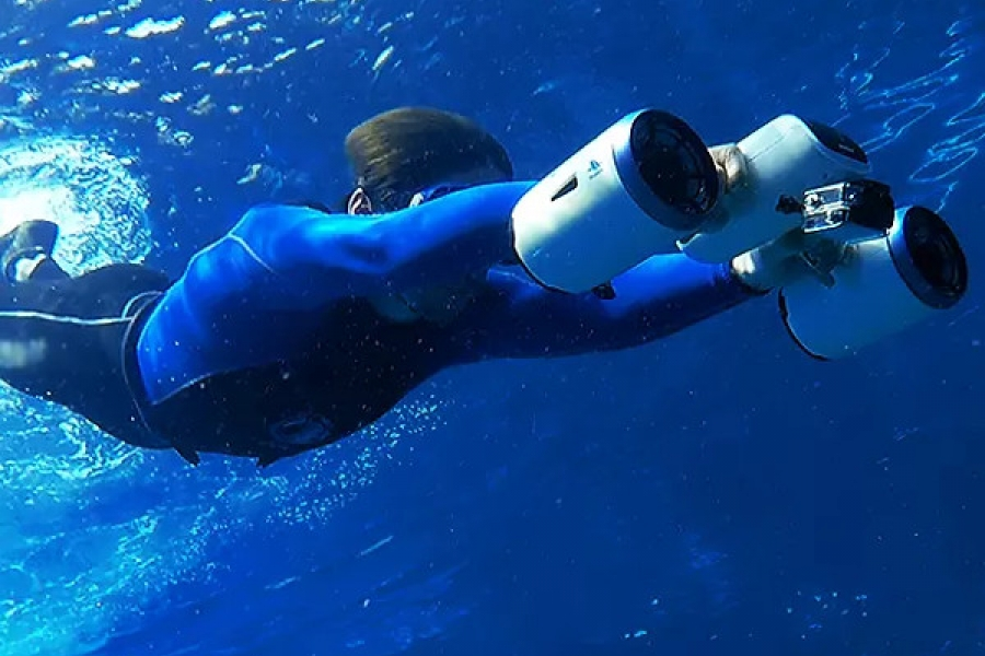 1499008984_whiteshark-mix-underwater-scooter-for-diving-snorkeling.jpg