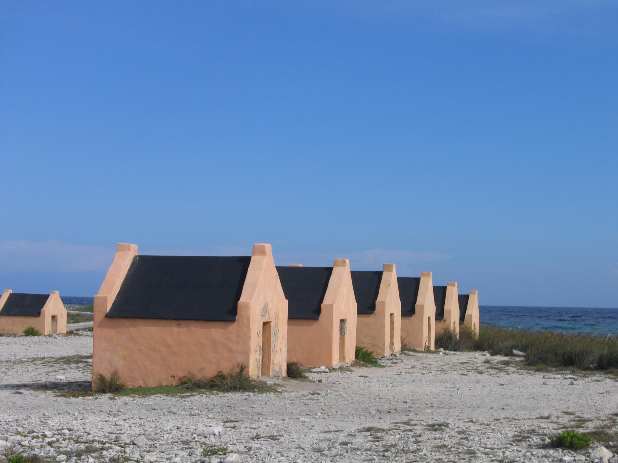 Bonaire_Red_Slave_Huts