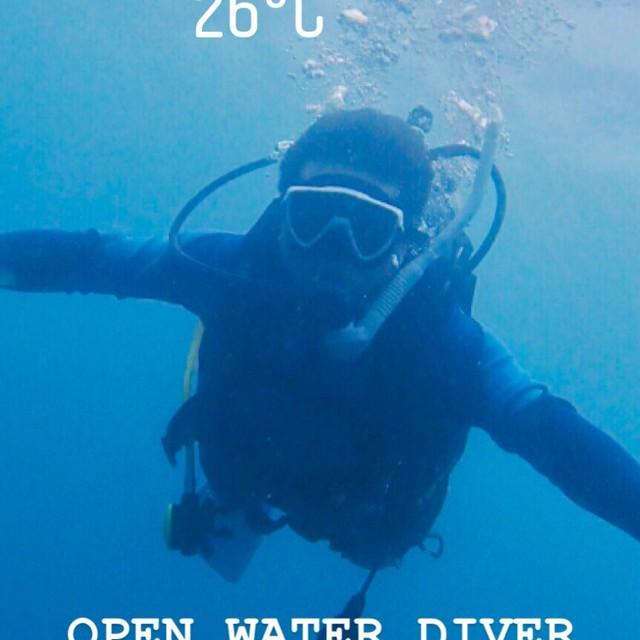 OPEN WATER DIVER 簡稱OW,開放水域初級潛水員是最基本的潛水課程,學員會學習到基本潛水技巧、潛水安全知識及緊急情況,最大深度為 18 米。 http://td.padi.com.cn http://suiila.com/open-water-diver