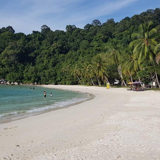 Perhentian Island Resort - best beach